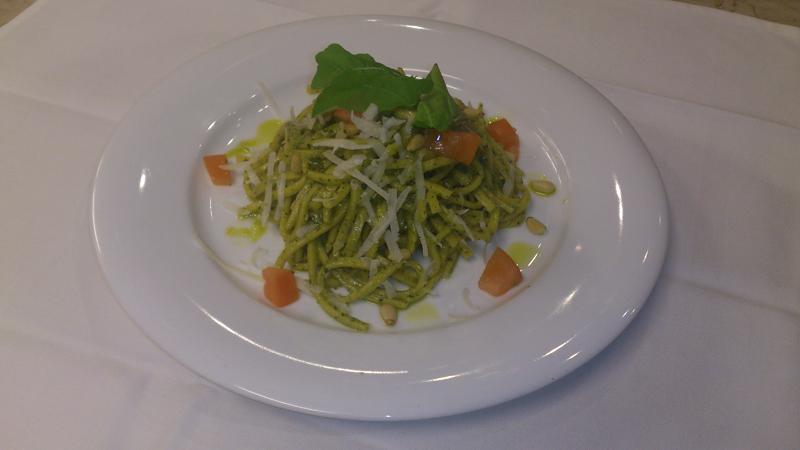 Spaghetti al pesto (Genovese)