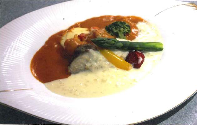 海老のグリルと真鯛のポウレ 2種のソースがけ彩り野菜を添えて purè di gambero e pagro accompagnato da due tipi salse e verdure variegate