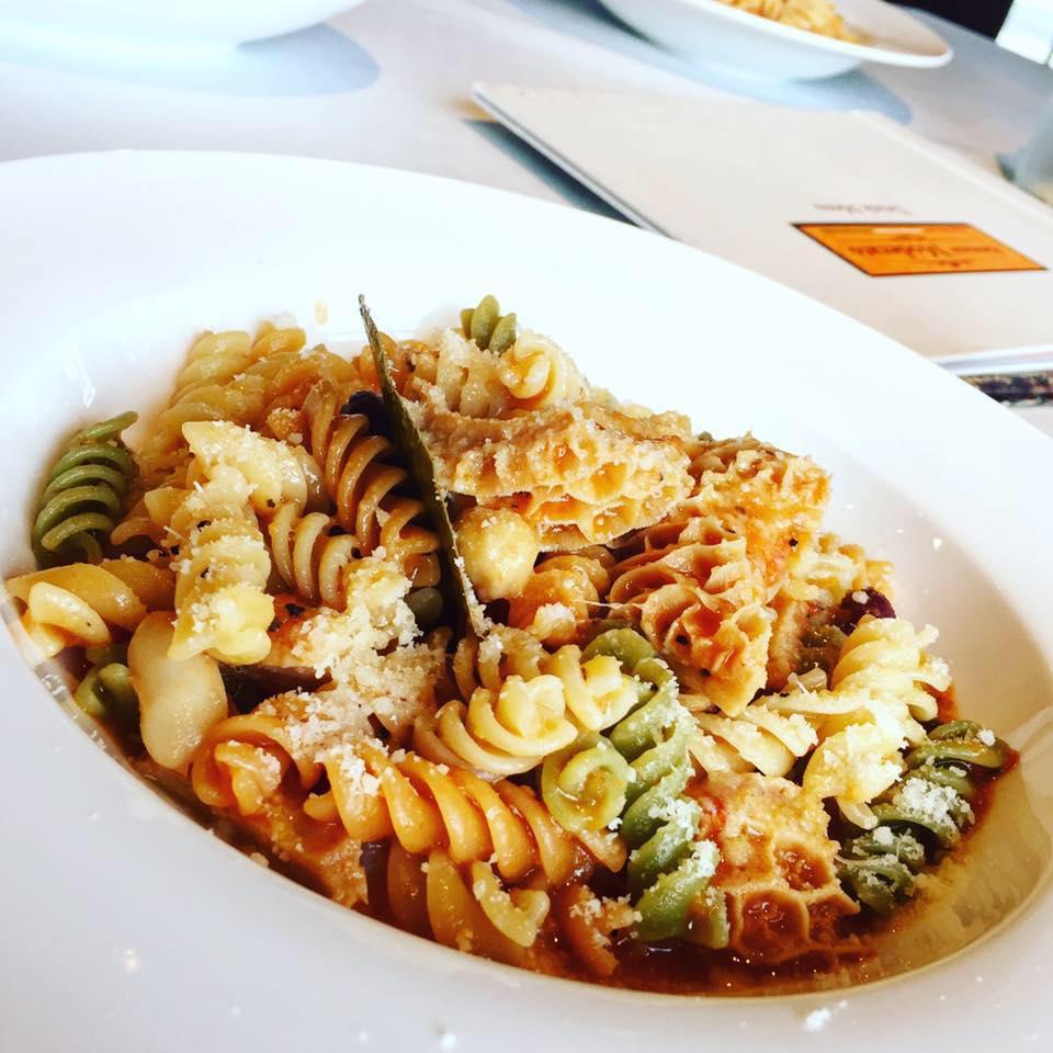 ristorante moderato dish